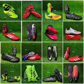 BRANDED FOOTBALL STUDS