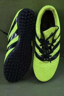 Sepatu Futsal rumput sintetik adidas ace 16.3 TF