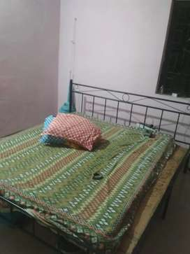 King Size Metal Bed (IRON)