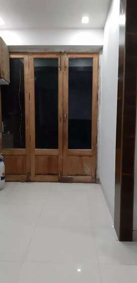 2bhk semi furnished 85+85 terrace+car park+office in maath area margao
