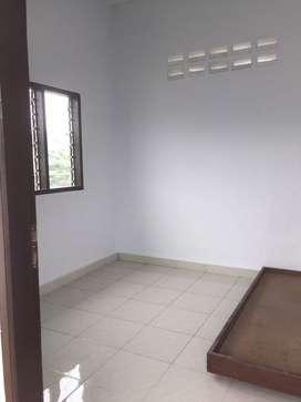 Disewakan 2 kamar kos untuk karyawati/Mahasiswi