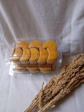 Kue kacang 15.000 isi 25 biji