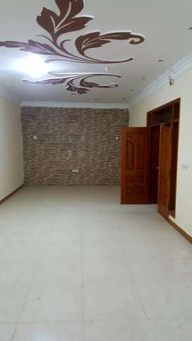 10 Marla Triple Storey House For Rent in Gulberg 3