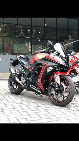 Ninja 250 FI Special Edition Red and Black Slipper Clutch