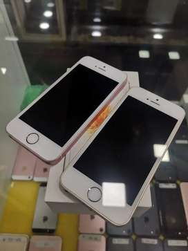 Apple iphone SE 64GB Going lowest at just 10900