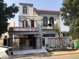 10 Marla Beautiful Spanish Design House is Avail For Sale in Gulmohar