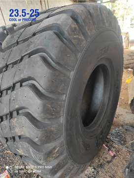Wheel Loader Retreaded Tyre for sale +Tyre Retreading, Tyre Resoling