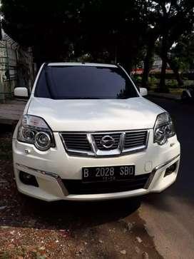 Nissan Xtrail CVT 2.000 CC A/T Putih