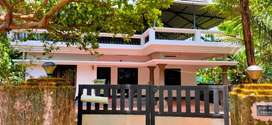 4Bhk 9 Year Old Own Porpuse Constructed House Edathala 8 Cent Land