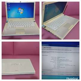 Laptop Sony Vaio VPCCW21FX Core I3