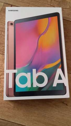Samsung galaxy tab A 2019 in neat scratch less condition with box
