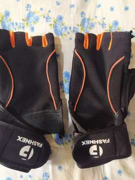 Gym Hand gloves