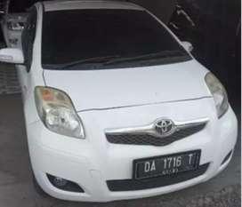 Toyota Yaris j putih matik 2010