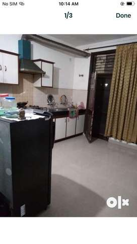 1 room available in 2bhk flat for GIRL
