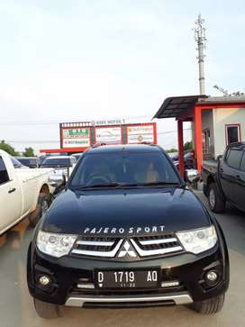 Pajero sport 2013 Exceed (4×2) solar matic. New model km 85rb