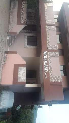 Studio flat on ground floor