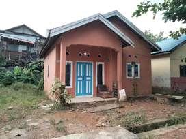 dijual / dikontrakan rumah sgt strategis ddepan Bandara Syamsudin Noor