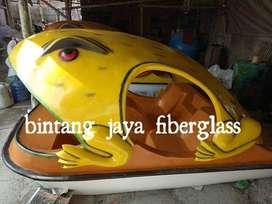 sepeda air kodok kuning atau bebek sepeda air kodok