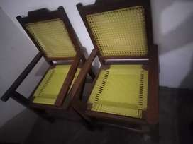 4* wooden chairs with arms good condition