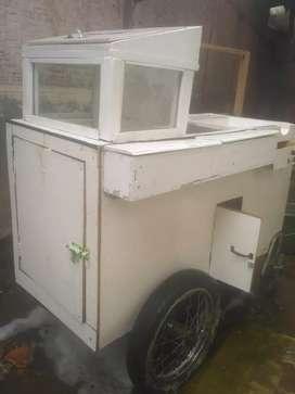 Dijual butuh uang, satu unit gerobak untuk dagang