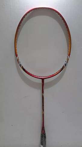 Raket Badminton Lining