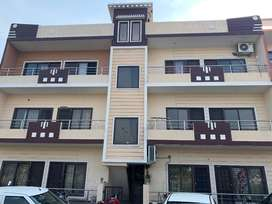 Park facing ready to move 3bhk