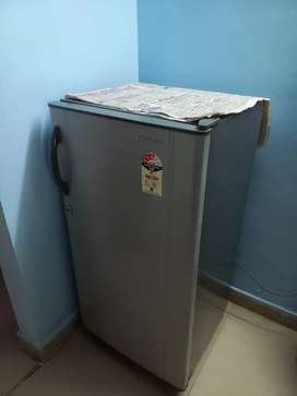 165ltr kelvinator good working condition silver colour