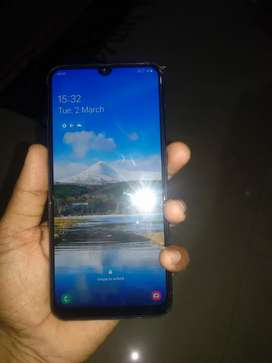 1.5 year old 6gb 64 gb  in brand new condition