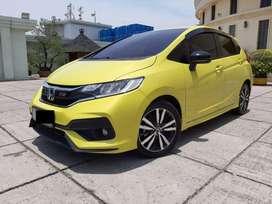 Honda Jazz 1.5 RS CVT At 2018 Kuning Pajak Panjang Plat Genap Km.17rb