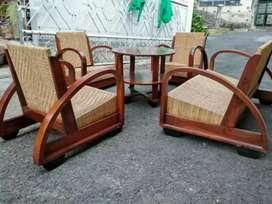 Kursi tamu bambu anyam