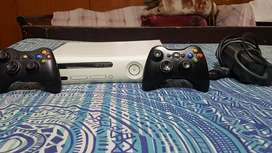 XBOX 360 WITH TWO WIRELESS CONTROLLER