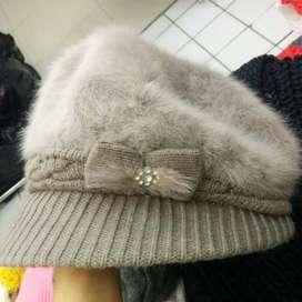 Topi Pet Bulu  Polyester