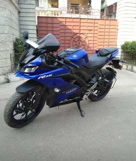 Sell BS4 Yamaha YZF R15 V3 look like new bike.