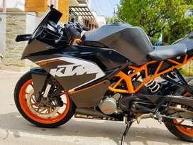 2016 model KTM Rc200 Black