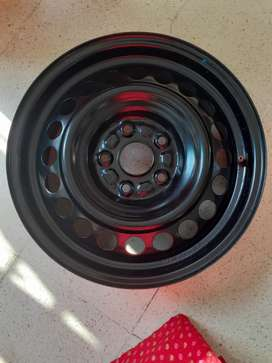 Brand new unused steel rims with wheel cap of Maruti brezza