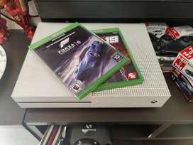 Xbox one s 1 TB + forza motorsport 6 + WWE 2k19