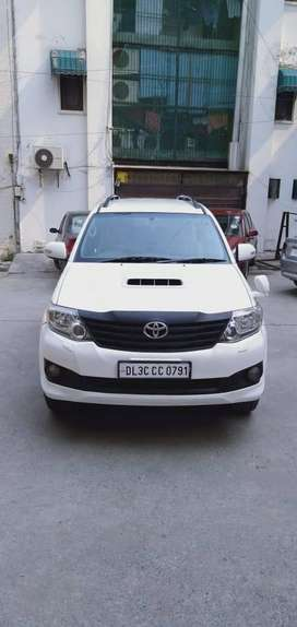 Toyota Fortuner 2.8 4X2 AT, 2013, Diesel
