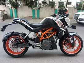 Duke 390 Duke