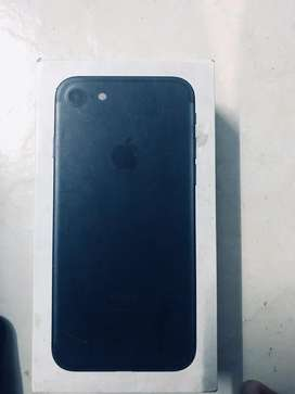 Well condition iphone 7(32gb)