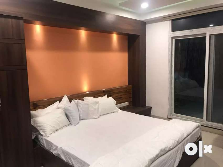 4bhk pent house for Guest House available on lease plz call me 0