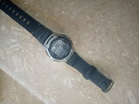 I am selling a casio watch in lush condition