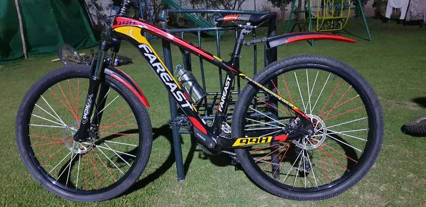 Brand new carbon Mountain bike 0