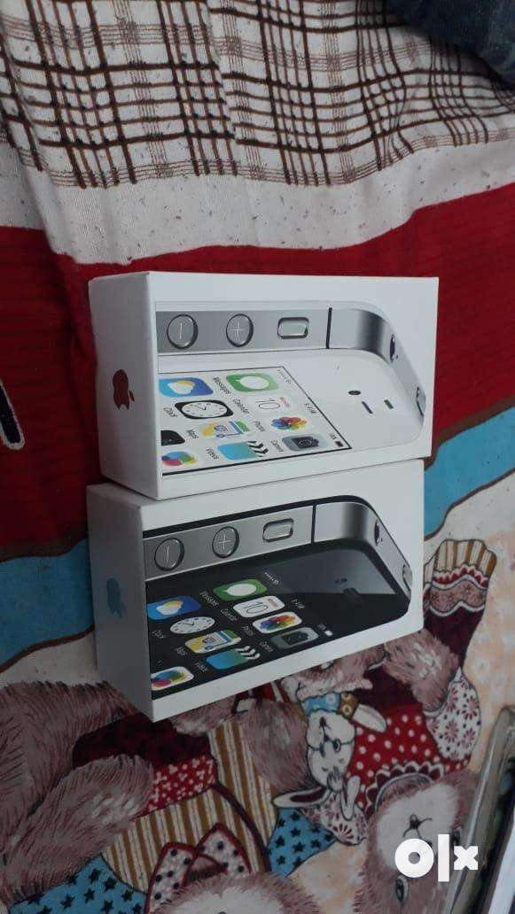 I phone 4s with full kit 0