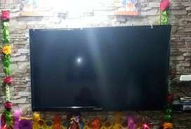40 inch Led TV.