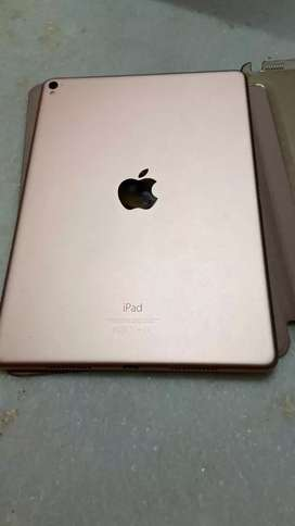 iPad pro (rose gold 128 gb)(9.7inch)(WiFi only)