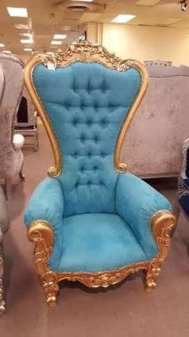 Kursi raja,kursi ratu, kursi pernikahan