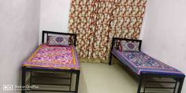 no brokerage Paying Guest Furnished Flat for Boys andheri east