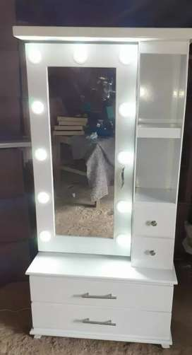 New stylish dressing table with drawers lights best quality