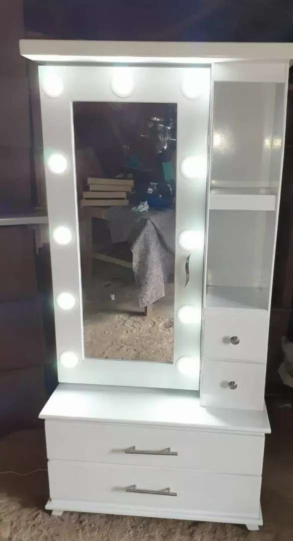 New stylish dressing table with drawers lights best quality 0