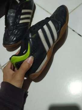 Sepatu Futsal Adidas 11pro